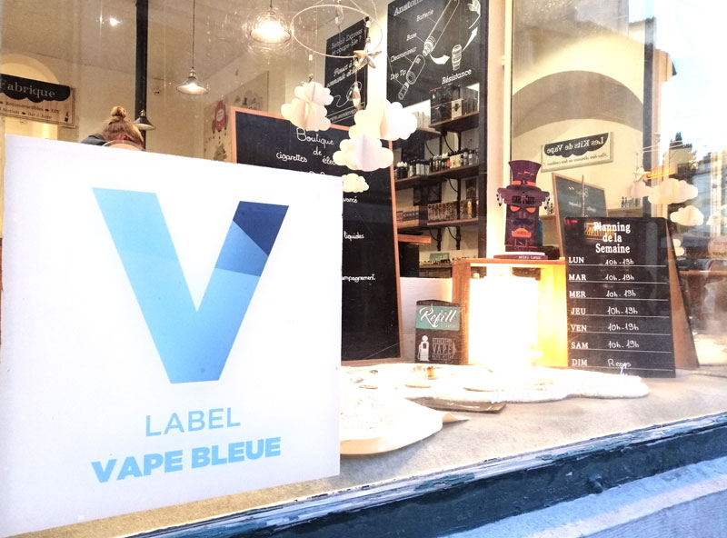 magasin cigarette electronique vape bleue
